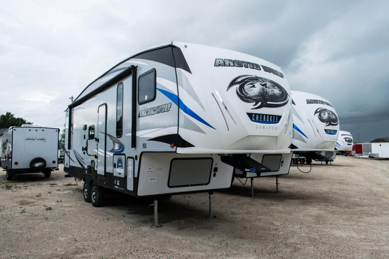 2020 Arctic Wolf Limited 265DBH8 5th Wheel Camper