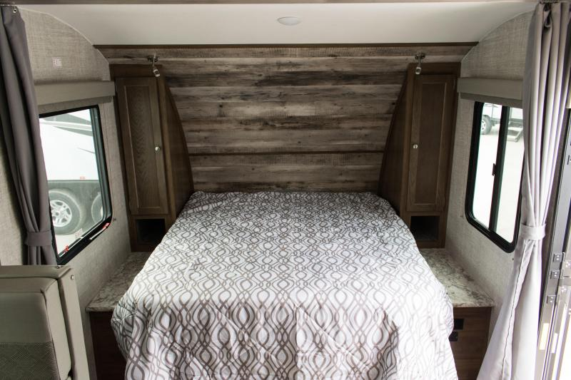2021 Gulf Stream SVT90 21MBD Couples Model Travel Trailer RV