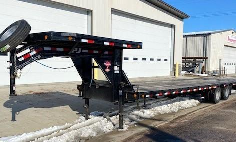 2018 PJ Trailers Low-Pro Flatdeck with Duals (LD) Flatbed Trailer