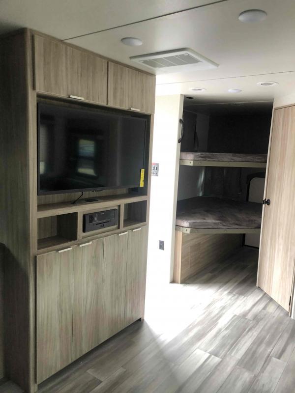 2022 Winnebago Minnie 2301BHS Travel Trailer RV