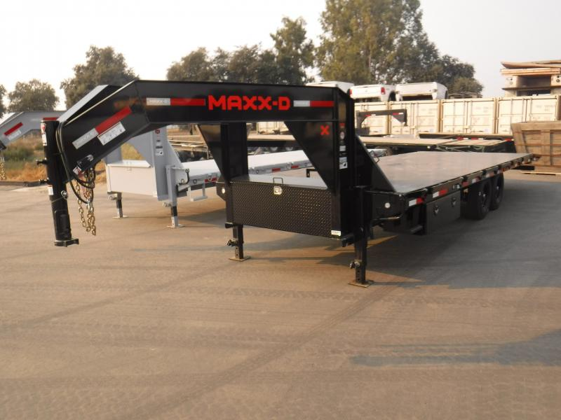 2021 MAXXD TSX10226 Equipment Trailer