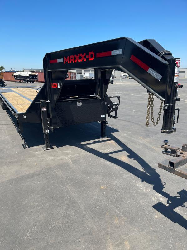2021 MAXXD LDX10234 Flatbed Trailer