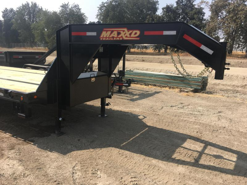 Trailers LO-PRO FLATBED WITH DAULS Equipment Trailer