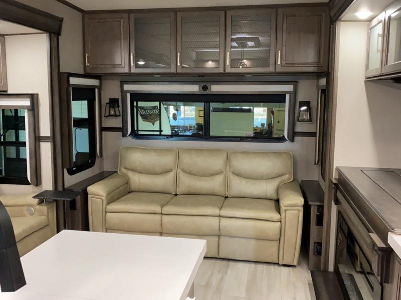2021 Grand Design RV SOLITUDE 385GK