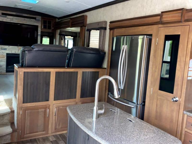 2016 Keystone RV MONTANA 3791RL