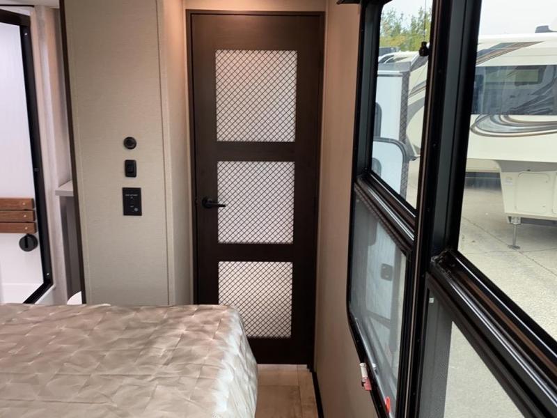 2021 Grand Design RV MOMENTUM 376THS
