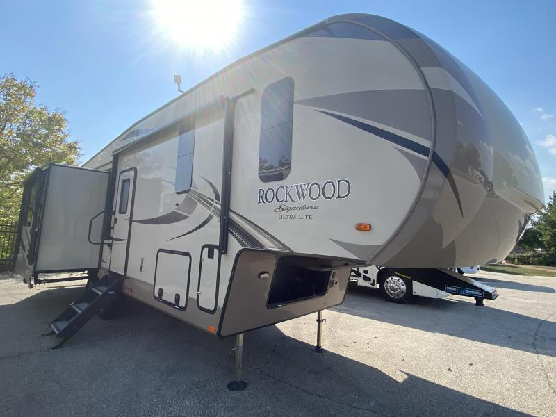 2018 Forest River SIGNATURE SERIES 8299BS