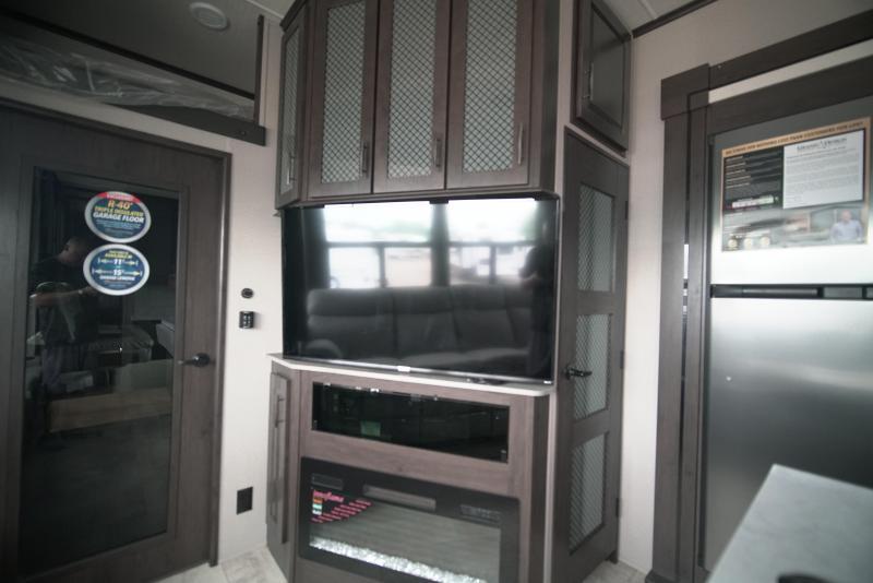 2021 Grand Design RV MOMENTUM M-CLASS 351M