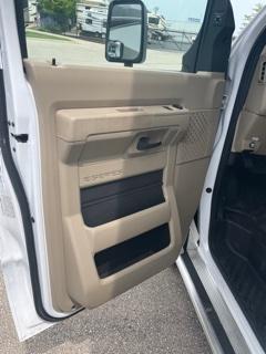2018 Thor Motor Coach CHATEAU 31E