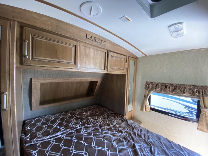 2017 Keystone RV LAREDO 30BH