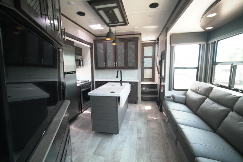 2022 Grand Design RV MOMENTUM M-CLASS 351M