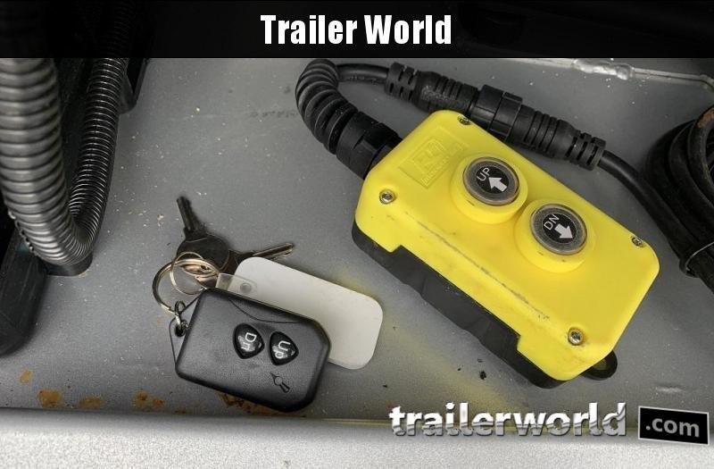 2020 Diamond C FMAX212 40' Hydraulic Dovetail Trailer