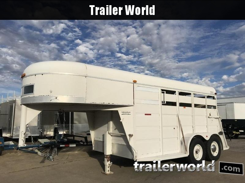 1992 Gooseneck Livestock Cattle Trailer