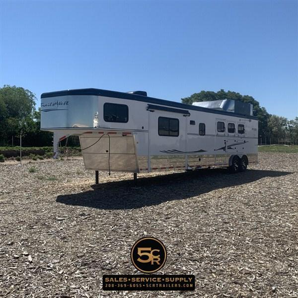 2017 Trails West 3H LQ Horse Trailer