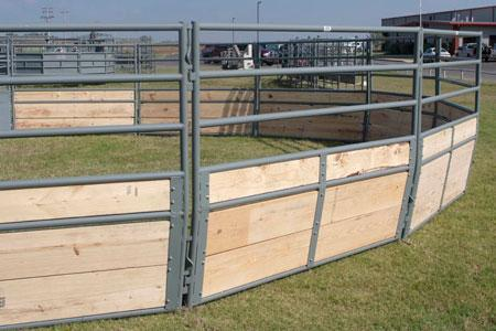 2020 WW Livestock Chaparral Deluxe Round Pen Gates & Panels