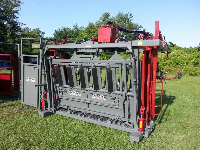 2020 WW Livestock Super Pro Series Hydraulic Chute
