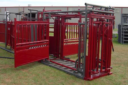 2020 WW Livestock Stampede 2K Self Catch Squeeze Chute