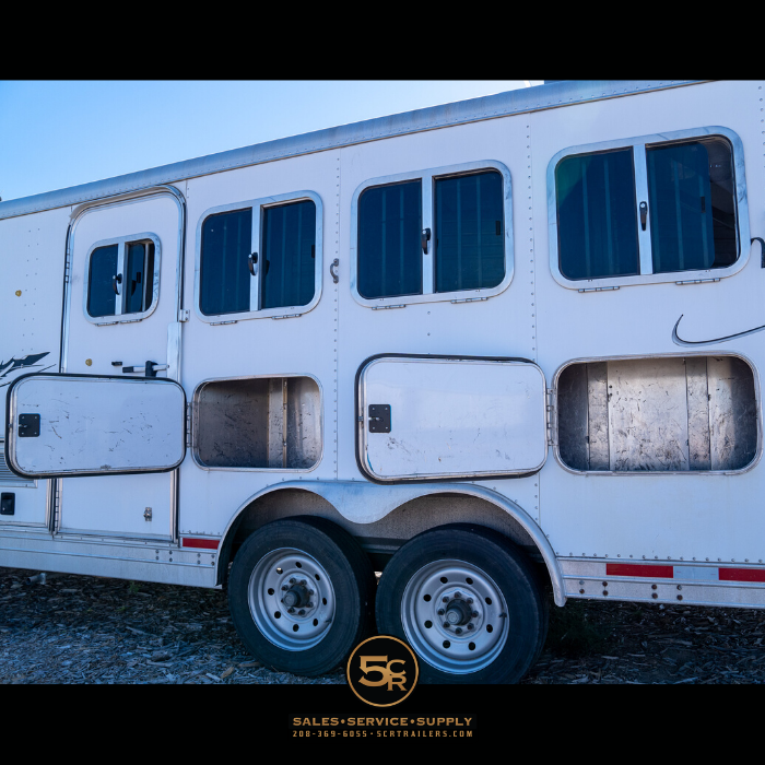 2005 Featherlite 4H LQ Horse Trailer