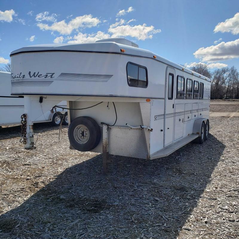 2001 Trails West 4H Weekender Horse Trailer