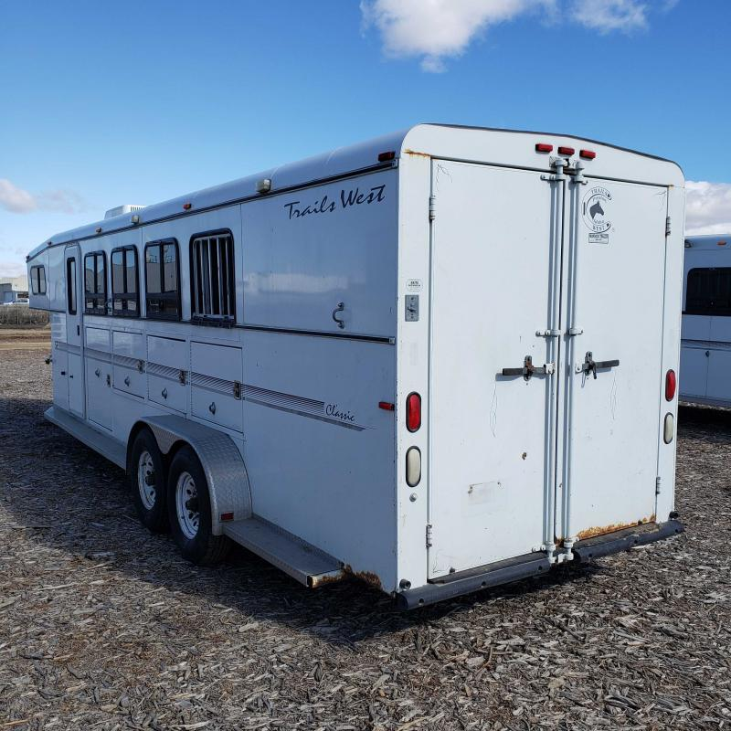 2001 Trails West 4H Weekender Horse Trailer