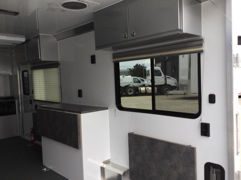 8.5X20 OFFICE & MOBILE COMMAND TRAILER