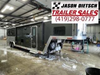 2019 merhow trailers 8.5X40 horse trailer