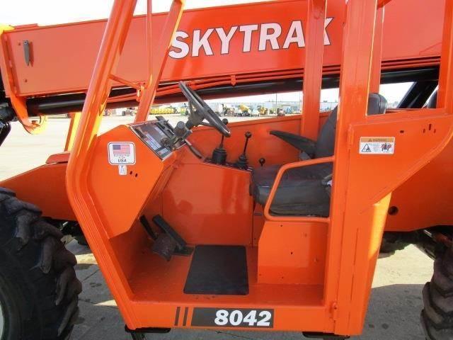 2015 SKYTRAK 42FT TELEHANDLER Material Handling