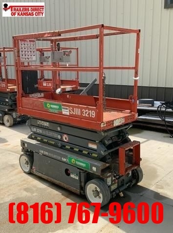 2012 SKYJACK 19FT (INDOOR) Material Handling