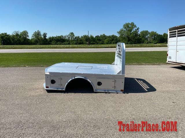 "2019 CM 8'6"" x 84"" CTA 56"" Aluminum Skirted Bed"