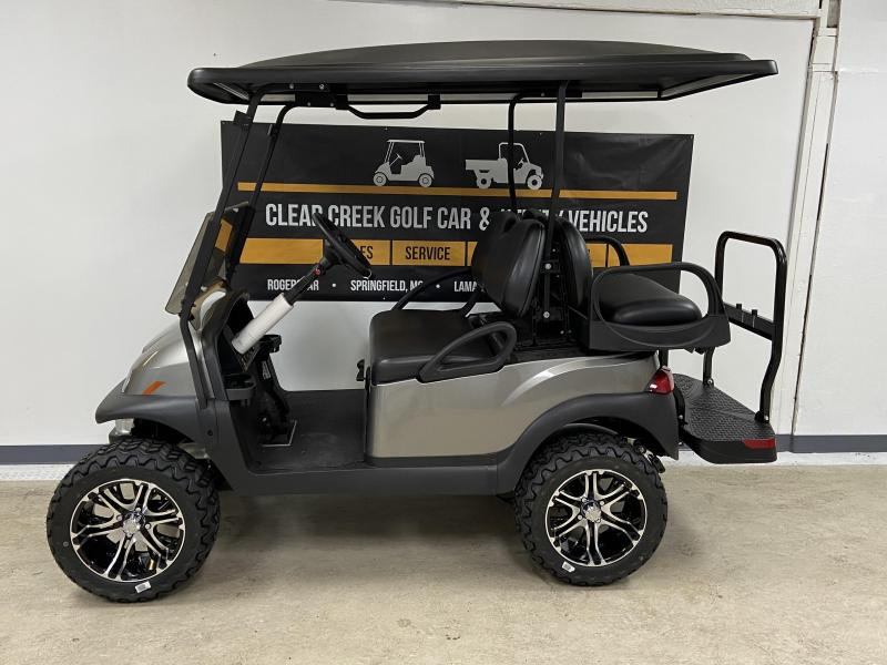 2020 Club Car Precedent Villager 4 Passenger Gas Golf Cart