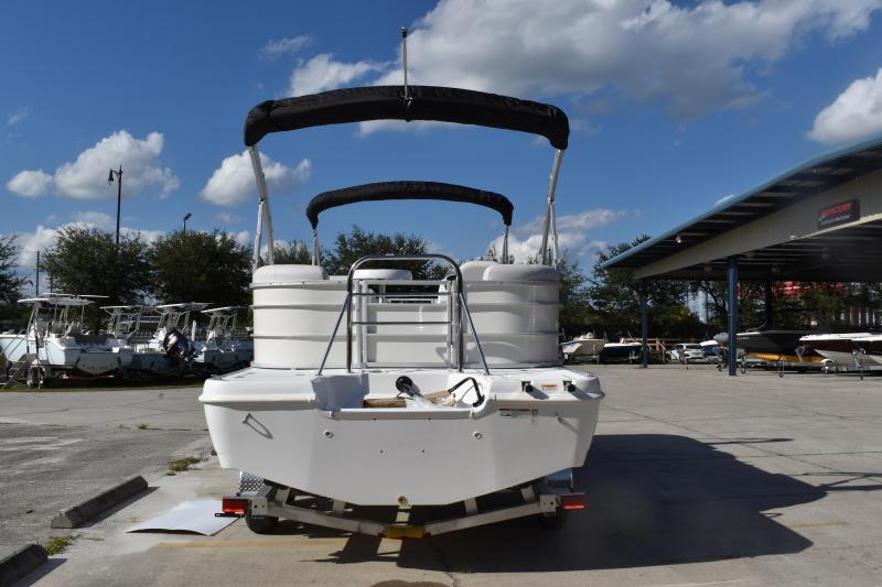 2022 Hurricane Boats 236 SB OB Deck Boat
