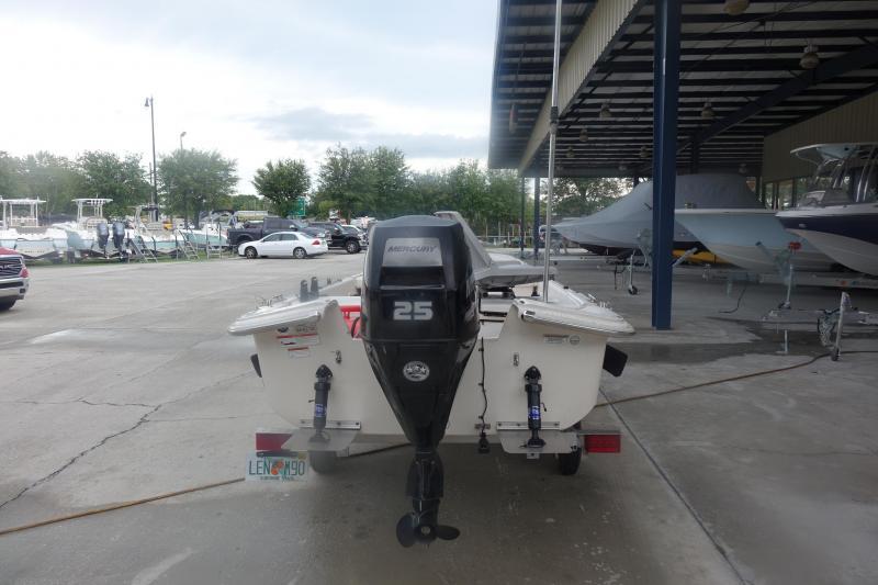 2019 Carolina Skiff 17 JV Fishing Boat