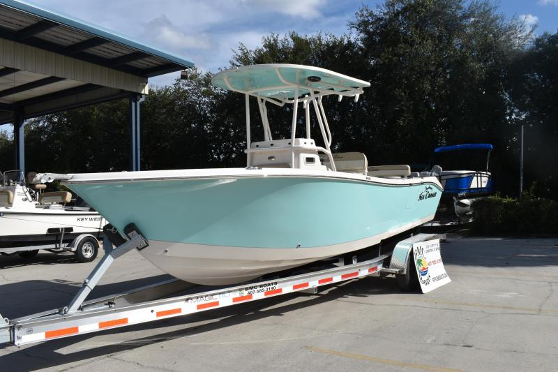 2022 Sea Chaser 24 HFC Fishing Boat