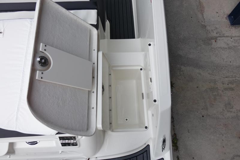 2021 Bayliner Boats VR5 Bowrider Bowrider