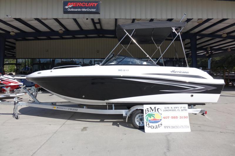 2021 Hurricane Boats SunDeck 217 OB Deck Boat
