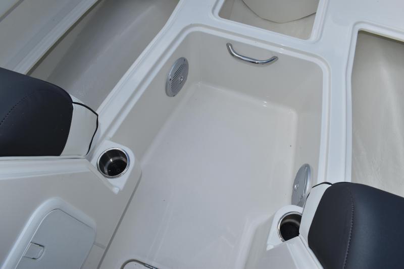 2022 Bayliner Boats DX2000 Deck Boat