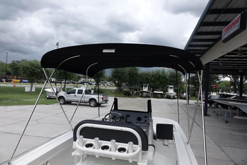 2021 Bayliner Boats Trophy T20CC Center Console