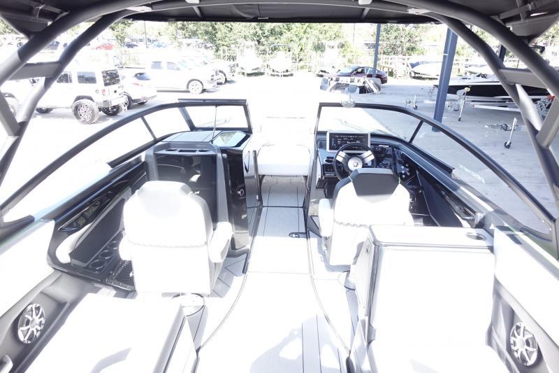 2022 Yamaha 255 XE Jet Boat
