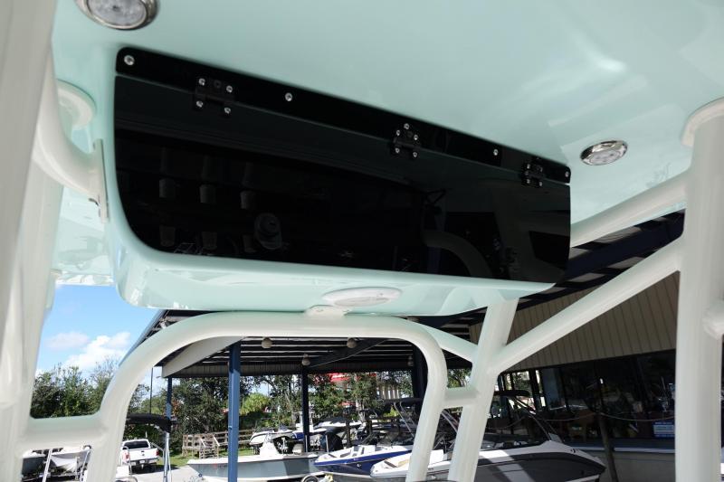 2021 Key West 239FS Center Console