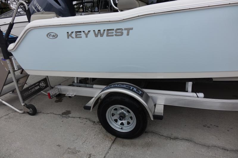2022 Key West 203FS Center Console