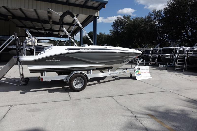 2021 Hurricane Boats SunDeck Sport 185 OB Deck Boat