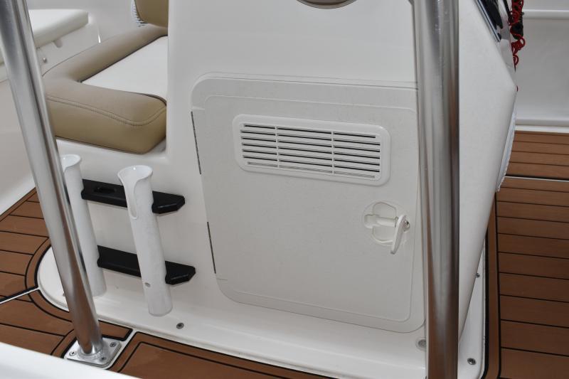 2021 Carolina Skiff 19 Ultra Center Console