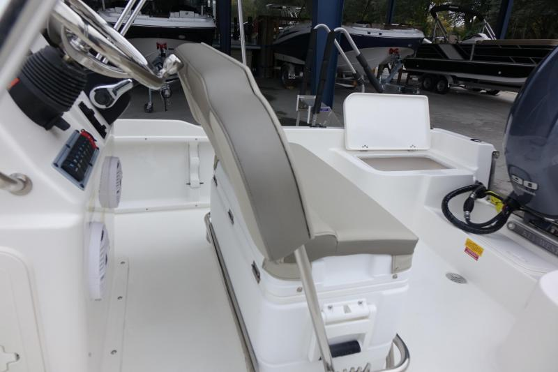 2021 Key West 1720CC Center Console