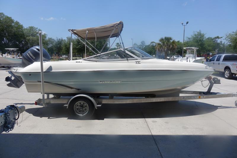 2019 Stingray Boats 204 LR Bowrider