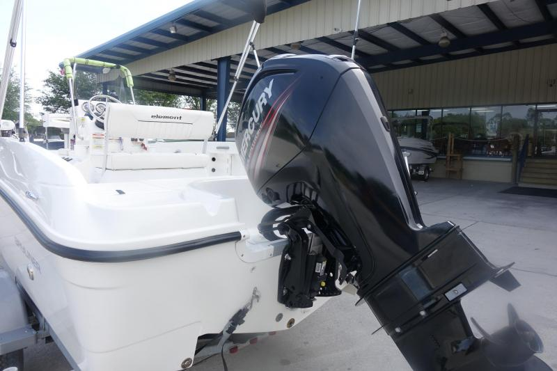 2017 Bayliner Boats F18 Center Console
