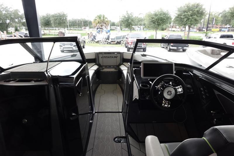 2021 Yamaha 255XD Jet Boat