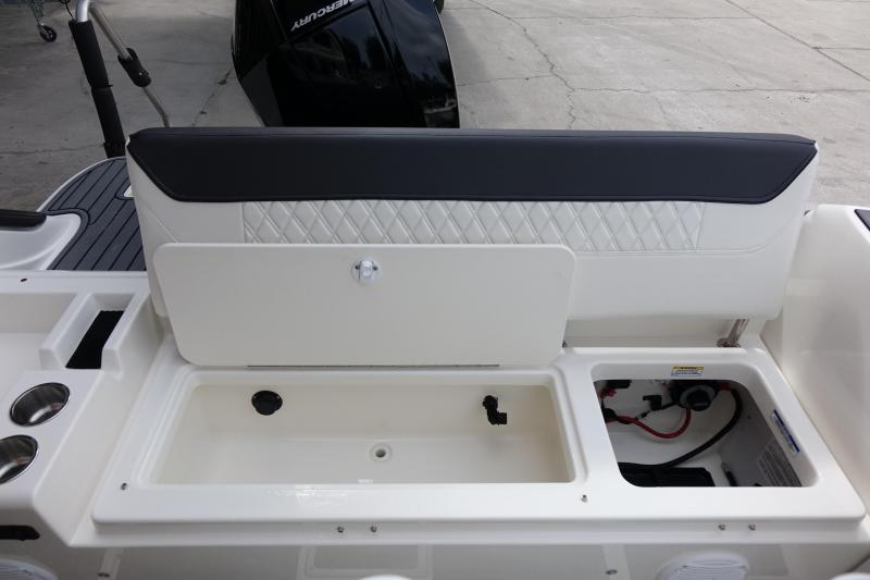 2021 Bayliner Boats T22CC Center Console