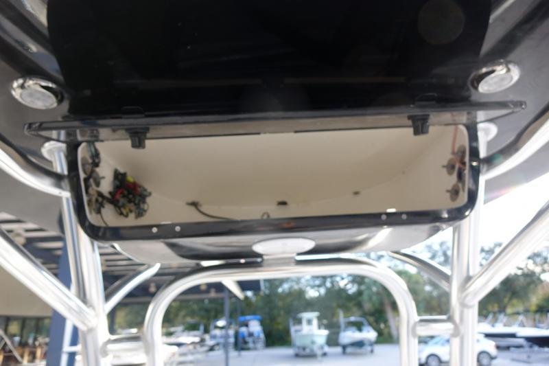 2021 Key West 219FS Center Console