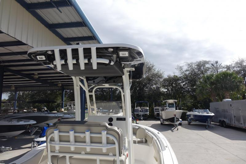 2022 Key West 239FS Center Console