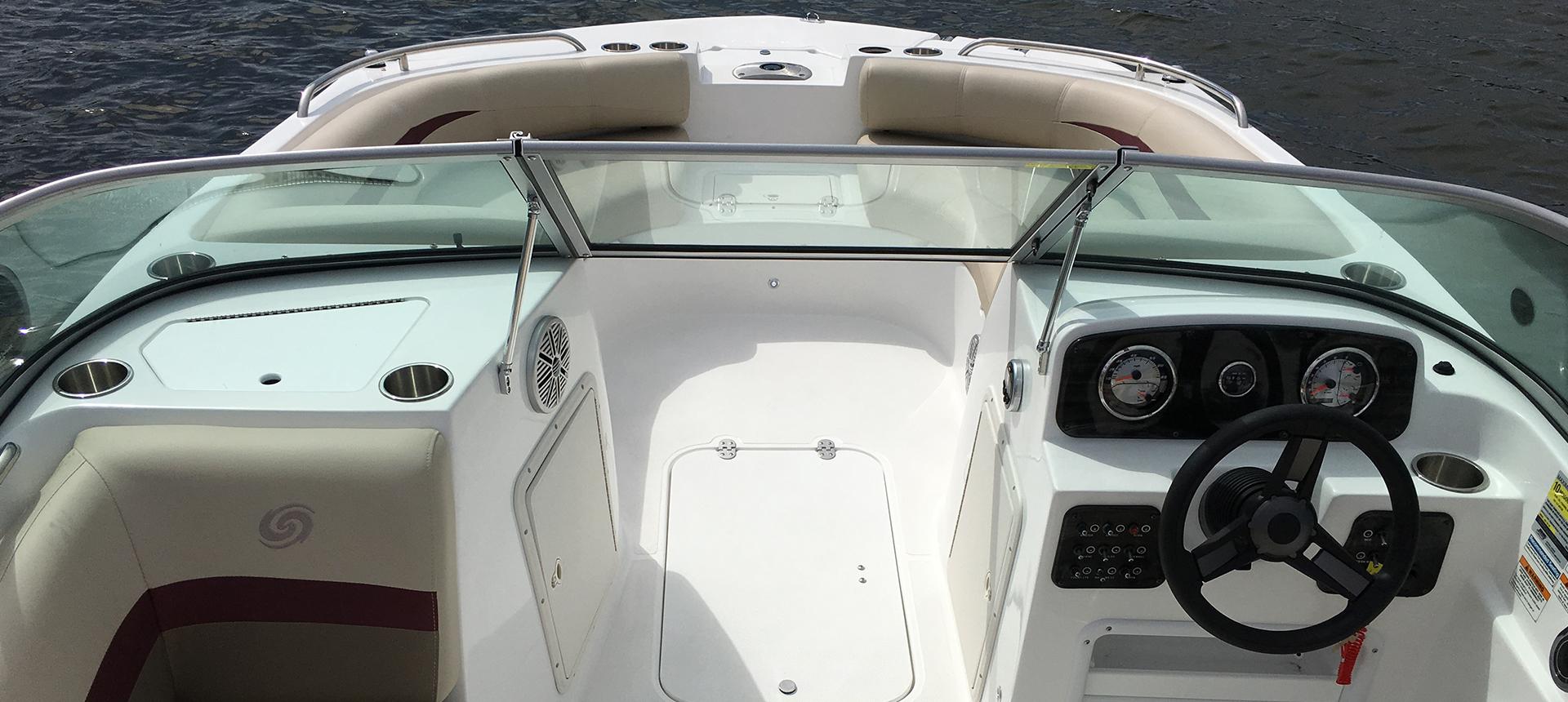 Hurricane Boats SunDeck 187 OB